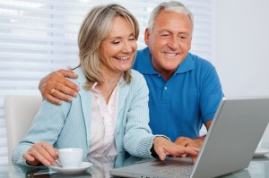 couple-on-computer